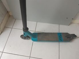 Blunt stunt scooter 1 year old used handful of times paid £320