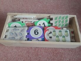 Wooden (Melissa & Doug) Self - Correcting Counting Puzzle