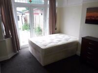 Very nice double room available in Goodmayes FURNISHED