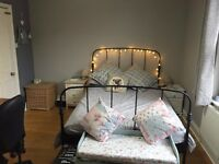 Large airy double bedroom in Totterdown
