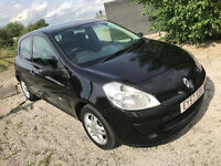 NEW shape 2007 Renault Clio - 1.2 petrol - Cheap tax and insuance - Good first car with Air con