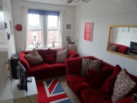 Bright double room all bills included, Available now