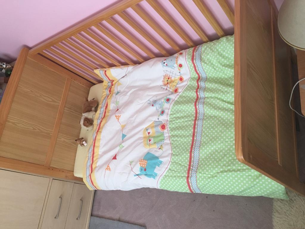 Kids cotbed - excellent condition