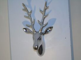 SMALL STAG HEAD WITH SILVER GLITTER ANTELOPE