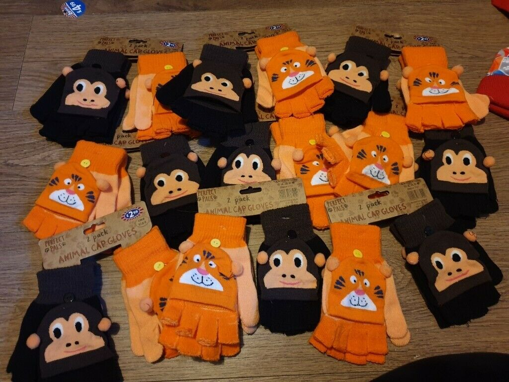 5a83a12452 300 hats gloves scars adults kids plus 80 baby sets | in Dundee ...
