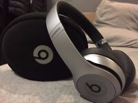 Beats by Dr. Dre Solo 2 Wireless Headphones Bluetooth Space Grey