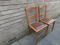 """PAIR OF VINTAGE WOODEN CHAIRS 32.5"""" HEIGHT WITH TURNED LEG DETAIL & PADDED SEAT"""