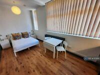 Studio flat in King & Queen Street, London, SE17 (#1172926)