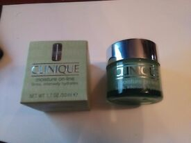 Clinique Moisuturer 50ml line firming and hydrating cream