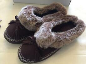 New size 4 Padders slippers