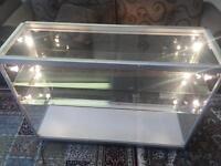 Shop glass display with aluminium frame
