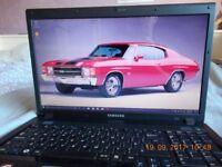 """SAMSUNG NP-R720 17"""" widescreen laptop"""