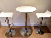 Beautiful white table and 2 chairs