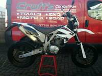 Ajp pr4 125 sm road legal supermoto trail bike commuter learner legal cbt motocross. Px and delivery