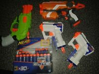 4 nerf guns with bullits
