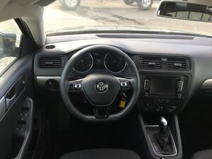 2015 Volkswagen Jetta Trendline *HEATED SEATS* Kitchener / Waterloo Kitchener Area image 13