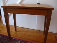 Wooden piano/keyboard stool with storage
