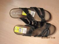 Ladies Sandals - Size 5