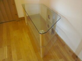 "Top quality clear glass TV stand. 1000mm. Suitable for up to 55"" tv"