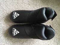 Martial arts foot protectors size small