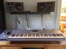 Keyboard - Korg PA1X Pro Workstation and Performance Keyboard