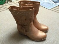Womens leather cowboy style boots, brand new!