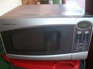 MIcrowave oven Sharp Corousel working well very clean. Wentworthville Parramatta Area Preview