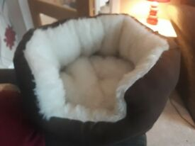 Fluffy cat bed - brown and cream - unused £5