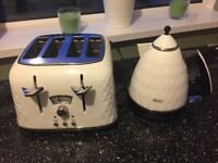 Delonghi Toaster and kettle like new
