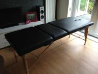 Folding massage/beauty therapy table