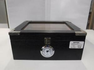Humidor Cigar Box w/Cutters and Humidifier Liquid (Brand New) - We Buy and Sell Pre-Owned Goods - 116339