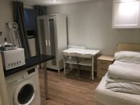 self-contained studio flat to let @ E10 7DY all bills inclusive lea bridge zone 3 available 1st Oct