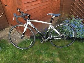 Giant Defy Road Bike ALUXX 6000 butted tubing frame, Can deliver