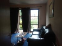 one bedroom groundfloor flat with private garden and parking in city center