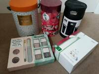 Job lot of beauty gift sets - NEW - worth over £50