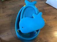 Baby bath Skip Hop whale with foam kneeling pad
