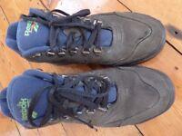 REEBOK WALKING BOOTS SIZE 7