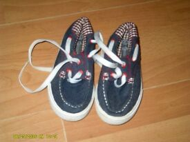 boys size 6 as new 5.00