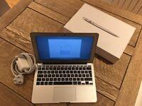 MacBook Air (11-inch, Mid 2013) 1.3GHz (Turbo Boost up to 2.6GHz) 4GB SDRAM, 128 GB flash storage