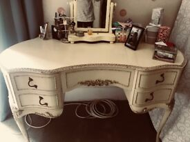 Vintage french dressing table in a very good condition colour cream