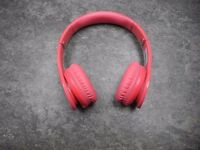 Dre Beats Solo HD (Pink) Headphones With Carrying Case