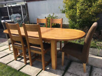 DFS Quality Large Solid Oak Extending Dining Table and 6 Chairs (246 cm x 100cm)