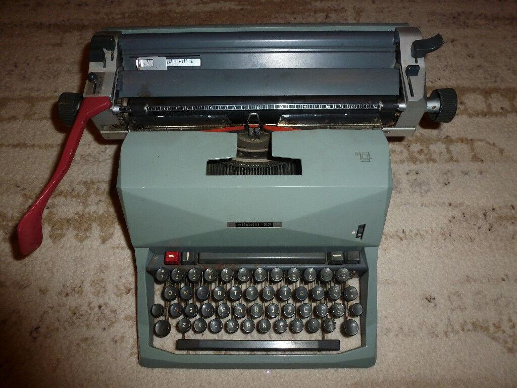 Vintage Olivetti 82 Typewriter