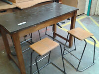 Rectangular table with 4 stools