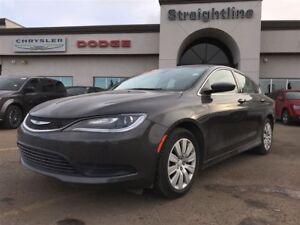 2016 Chrysler 200 FRESH ON THE LOT LOW KM