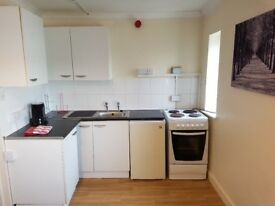 Self contained furnished 1 bed flat with Free super fast fibre Wifi