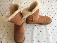 Ugg boots size UK 7.5 EU 40