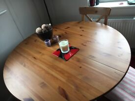 Ikea round extendable dining table (sold pending collection)