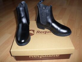 Girls BOOTS New Size 1 / 33