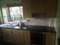 KITCHEN FOR SALE! Good condition with oven, extractor hood and intergrated fridge.